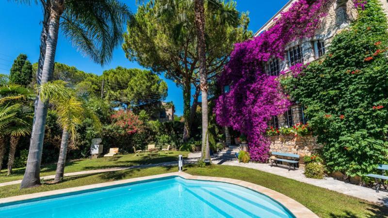 Casa di prestigio ANTIBES, 400 m², 7 Camere, 2670000€