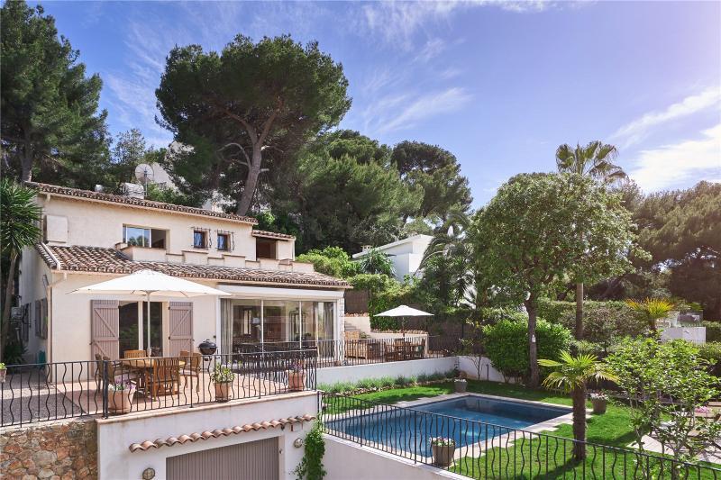 Maison de luxe à louer CAP D'ANTIBES, 150 m², 3 Chambres