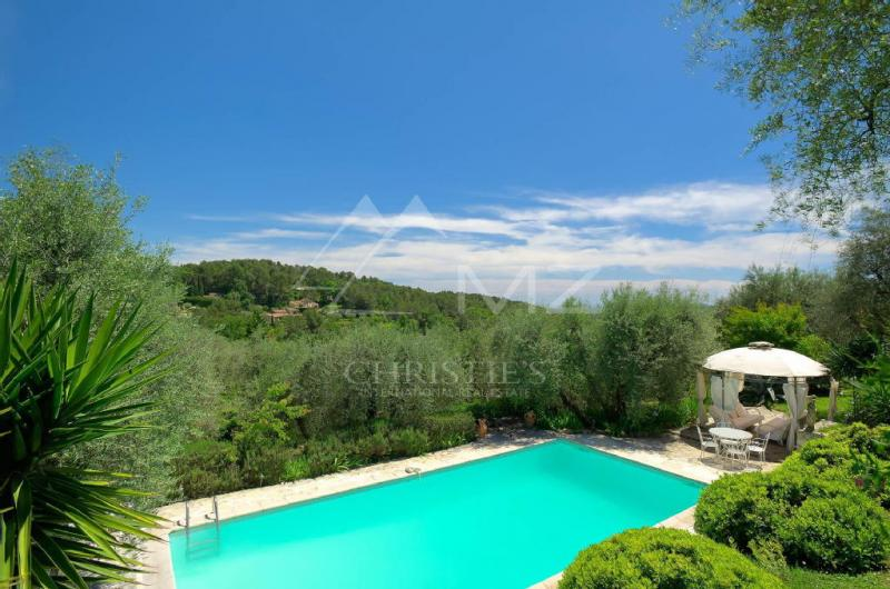 Prestige-Villa OPIO, 225 m², 4 Schlafzimmer, 1590000€