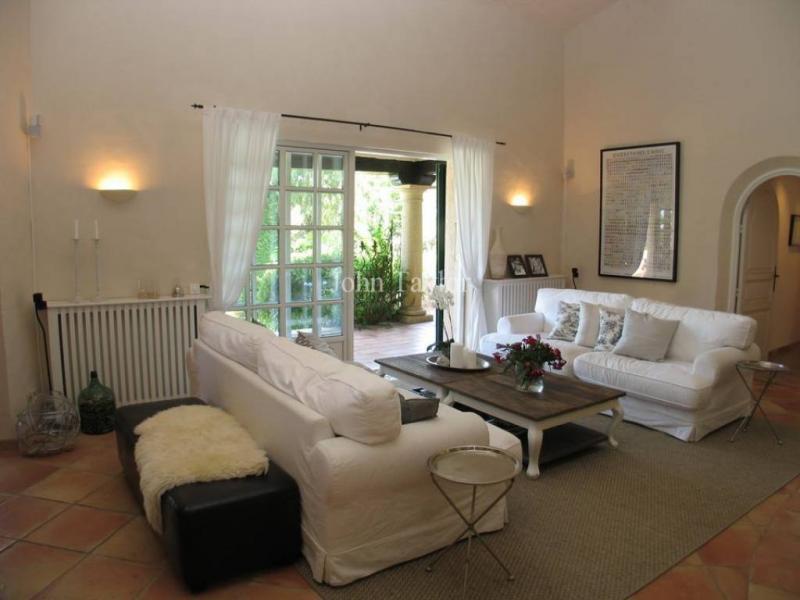Maison de luxe à louer VALLAURIS, 300 m², 7 Chambres,