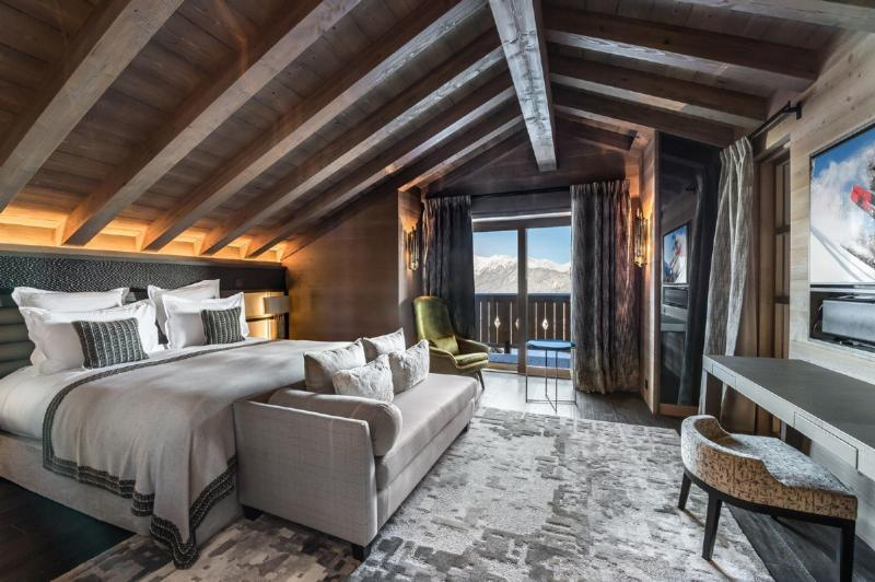 Luxury Chalet for rent COURCHEVEL, 900 m², 6 Bedrooms,
