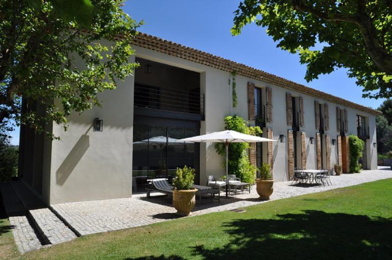 Location saisonni re maison luxe 7 pi ces 400 m2 aix en for Aix en provence location maison