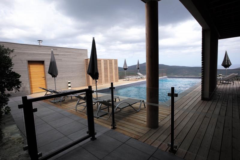 Prestige-Bürgerhaus TOMINO, 400 m², 6 Schlafzimmer, 3250000€