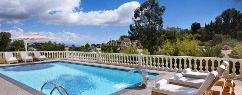 Luxury House for rent VALLAURIS, 600 m², 6 Bedrooms