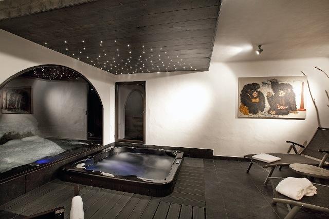 Casale di lusso in affito COURCHEVEL, 270 m², 5 Camere,