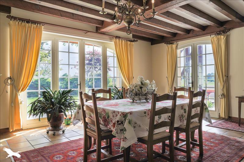 Maison de prestige SOUSTONS, 296 m², 7 Chambres, 627000€