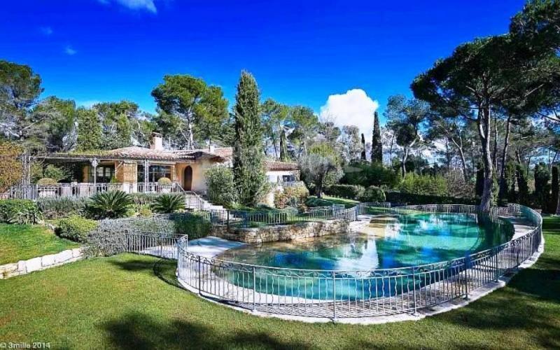 Prestige Property MOUGINS, 400 m², 5 Bedrooms