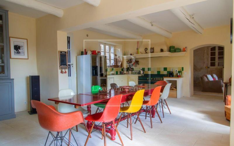 Maison de luxe à louer MOURIES, 310 m², 8 Chambres,