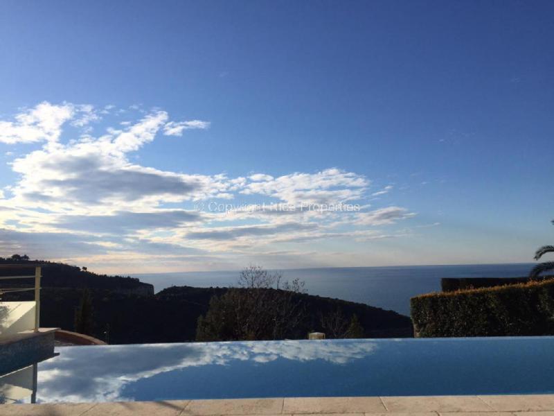 Prestige House EZE, 320 m², 3 Bedrooms, €3300000