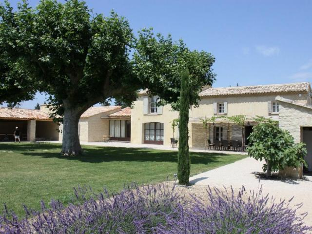 Luxury House for rent LAGNES, 300 m², 5 Bedrooms,