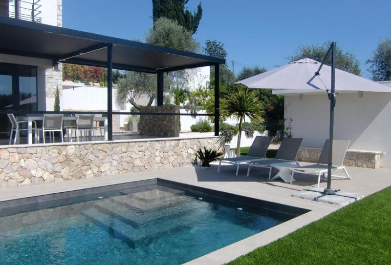 Maison de luxe à louer VALBONNE, 200 m², 3 Chambres