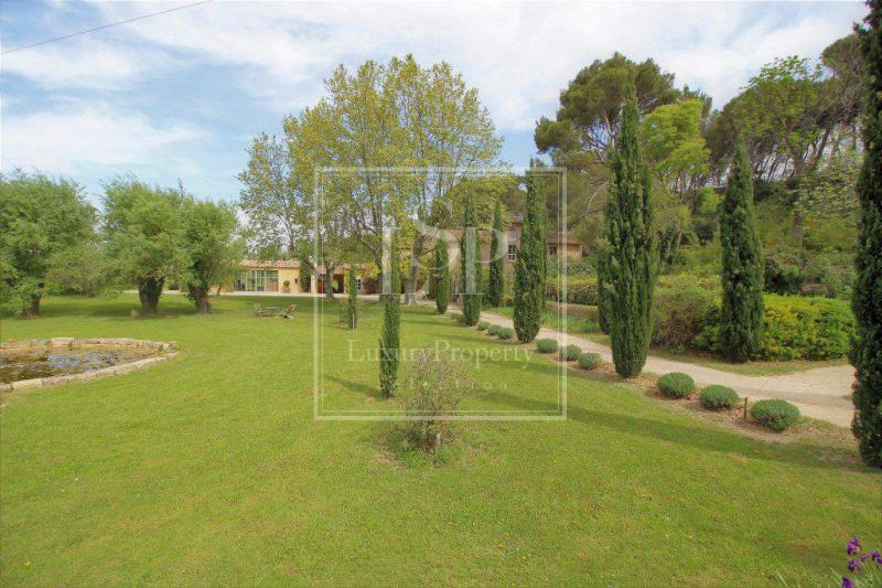 Luxury House for rent TARASCON, 924 m², 8 Bedrooms