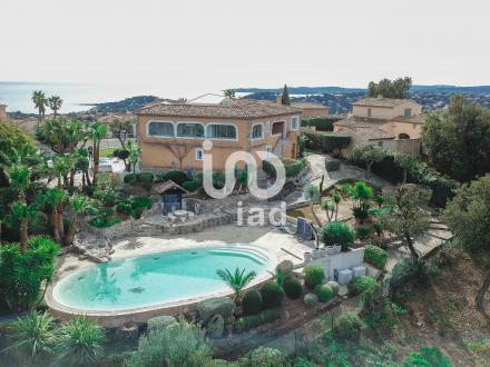 Квартира класса люкс на продажу  Сент-Максим, 285 м², 4 Спальни, 1495000€