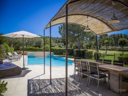 Maison de luxe à louer SAINT REMY DE PROVENCE, 180 m², 4 Chambres,