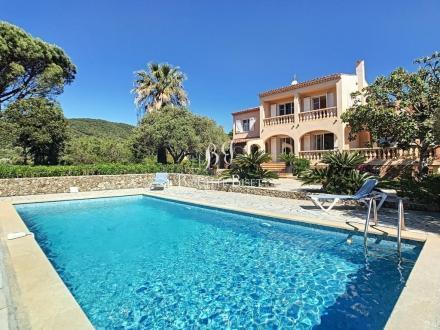 Villa de luxe à vendre SAINTE MAXIME, 230 m², 5 Chambres, 1596000€
