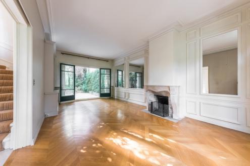 Maison de luxe à louer PARIS 16E, 190 m², 5 Chambres, 12500€/mois