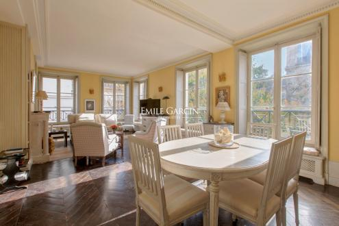 Квартира класса люкс на продажу  Париж 6ой, 70 м², 1 Спальни, 3200000€