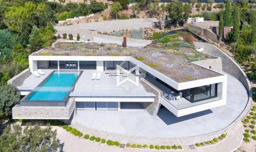 Вилла класса люкс на продажу  Гримо, 350 м², 5 Спальни, 8850000€
