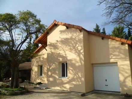 Luxury House for rent SAINT REMY DE PROVENCE, 96 m², 3 Bedrooms, €1228/month