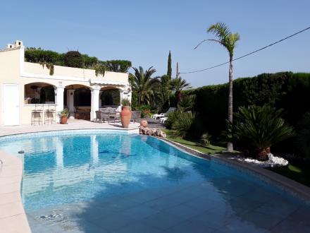 Villa de luxe à vendre FREJUS, 195 m², 4 Chambres, 832000€