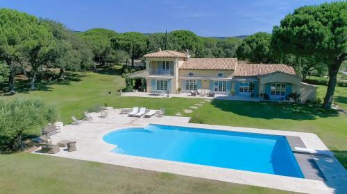 Maison de luxe à vendre SAINTE MAXIME, 330 m², 5 Chambres, 3900000€