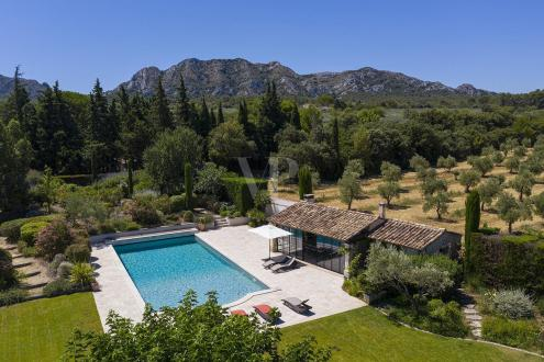 Luxury House for sale EYGALIERES, 370 m², 4 Bedrooms, € 2 900 000