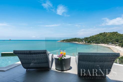 Вилла класса люкс на продажу  Тайланд, 864 м², 2 Спальни, 924550€