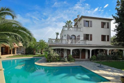 Maison de luxe à louer CAP D'ANTIBES, 680 m², 13 Chambres,