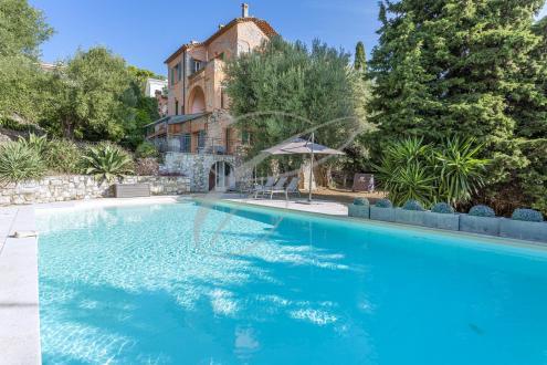 Villa de luxe à vendre ROQUEBRUNE CAP MARTIN, 400 m², 5 Chambres, 3150000€