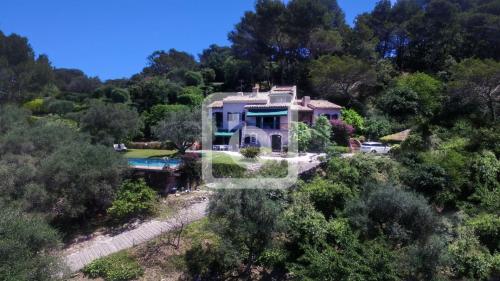 Proprietà di lusso in vendita MOUGINS, 300 m², 5 Camere, 1860000€