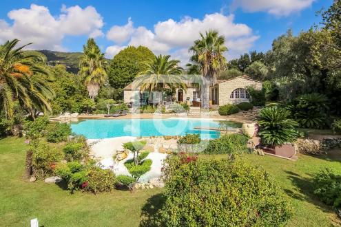 Maison de luxe à vendre VENCE, 260 m², 6 Chambres, 2590000€
