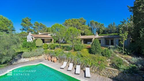 Casa di lusso in affito MOUGINS, 600 m², 6 Camere,