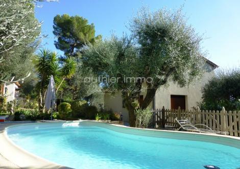 Luxus-Villa zu verkaufen ROQUEFORT LES PINS, 165 m², 3 Schlafzimmer, 695000€