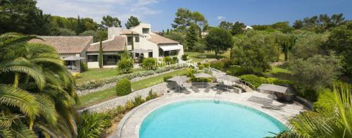 Luxury House for rent MOUGINS, 480 m², 5 Bedrooms,