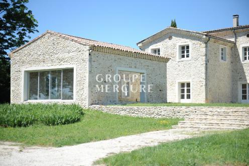 Maison de luxe à vendre MONTELIMAR, 546 m², 7 Chambres, 950000€