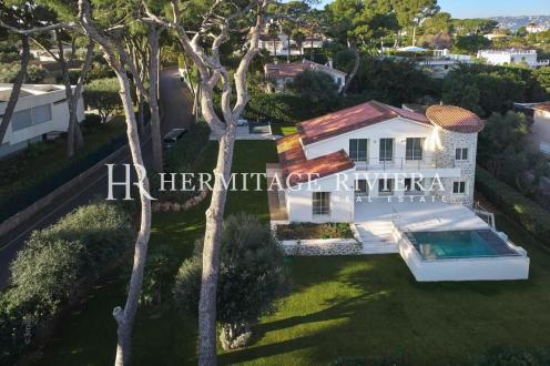 Дом класса люкс на продажу  Кап д'Антиб, 220 м², 4 Спальни, 3600000€