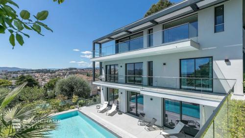 Casa di lusso in affito LE CANNET, 450 m², 5 Camere,