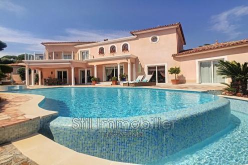 Villa de luxe à vendre SAINTE MAXIME, 364 m², 5 Chambres, 1780000€