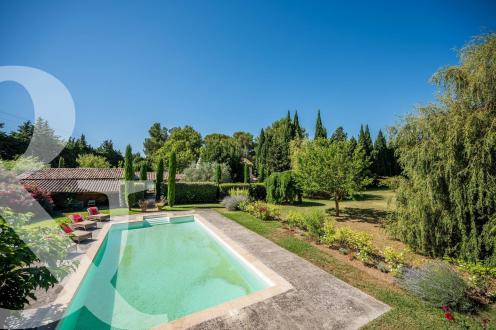 Maison de luxe à vendre MAUSSANE LES ALPILLES, 262 m², 6 Chambres, 1590000€