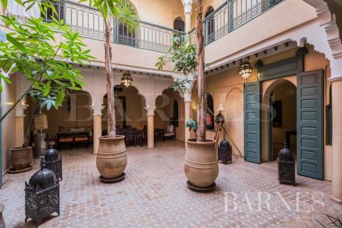 Maison de luxe à vendre MARRAKECH, 141 m², 6 Chambres, 550000€