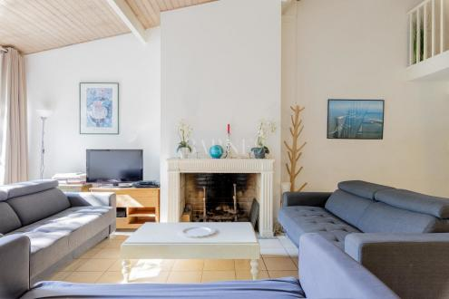 Дом класса люкс на продажу  Бордо, 110 м², 3 Спальни, 735000€
