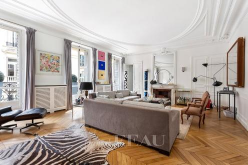 Квартира класса люкс на продажу  Париж 8ой, 215 м², 5 Спальни, 3150000€
