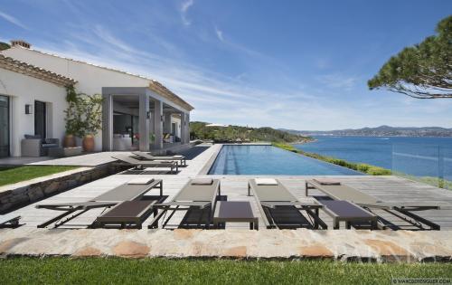 Maison de luxe à louer SAINT TROPEZ, 501 m², 6 Chambres,