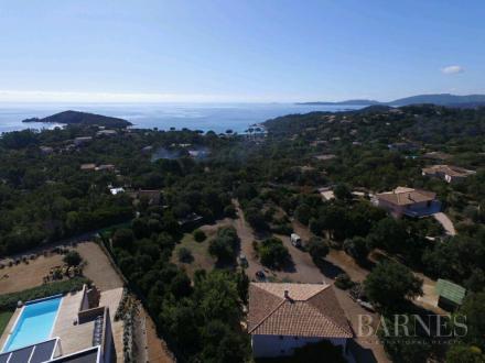 Luxe Villa te koop SAINTE LUCIE DE PORTO VECCHIO, 143 m², 2 Slaapkamers, 990000€