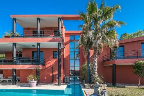 Villa de luxe à vendre TOURRETTES, 260 m², 4 Chambres, 1290000€