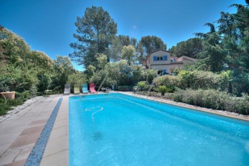 Luxus-Haus zu verkaufen PUGET SUR ARGENS, 410 m², 7 Schlafzimmer, 1040000€