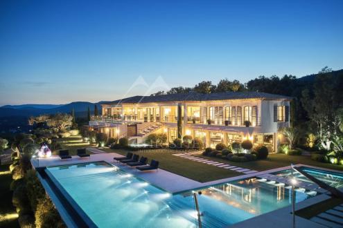 Поместье класса люкс на продажу  Гримо, 760 м², 7 Спальни, 19900000€