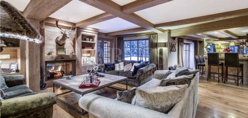 Luxury Chalet for rent MERIBEL LES ALLUES, 650 m², 7 Bedrooms,