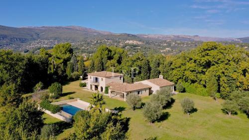 Villa de luxe à vendre VALBONNE, 250 m², 4 Chambres, 2200000€