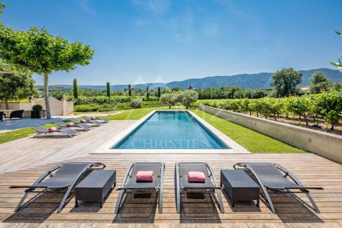 Luxury House for rent OPPEDE, 200 m², 4 Bedrooms,